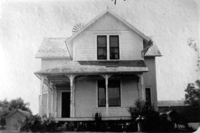 the house on the Small farm in 1937